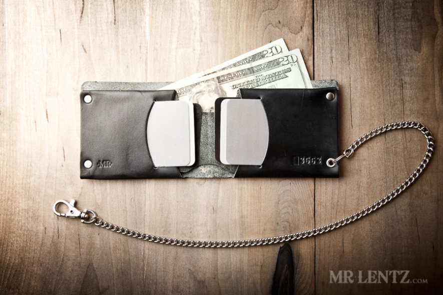 traditional-leather-chain-wallet-minimal-style_0070