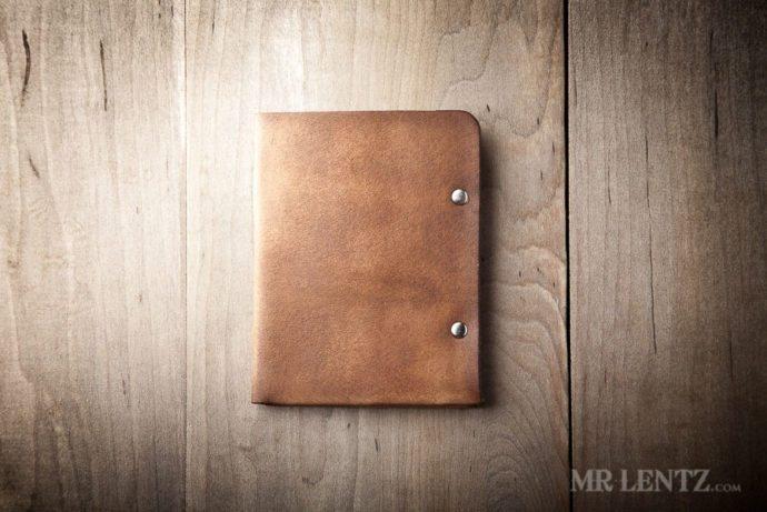 mens-leather-wallet-minimal-bifold_brown-0031