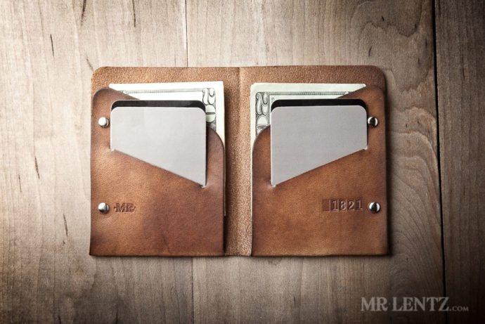 mens-leather-wallet-minimal-bifold_brown-0049