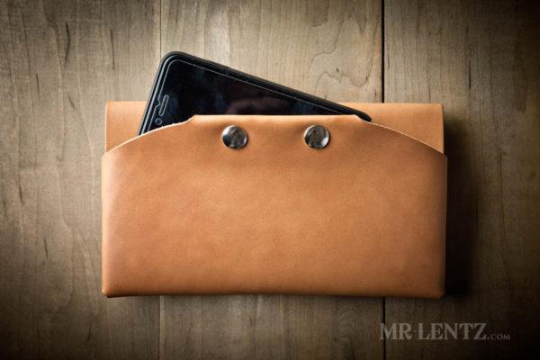 smartphone purse
