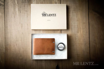 open gift box of wallet
